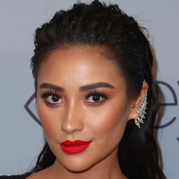 Shay Mitchell Looks *SO* Different With Pink Hair