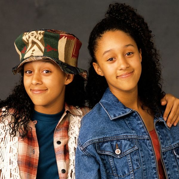 """'90s Kids, Rejoice! A """"Sister, Sister"""" Reboot Is """"Closer Than Ever"""""""