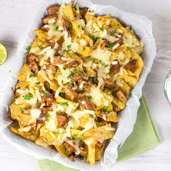These Pulled Jackfruit Nachos Will Be the Star of Your Super Bowl Party!