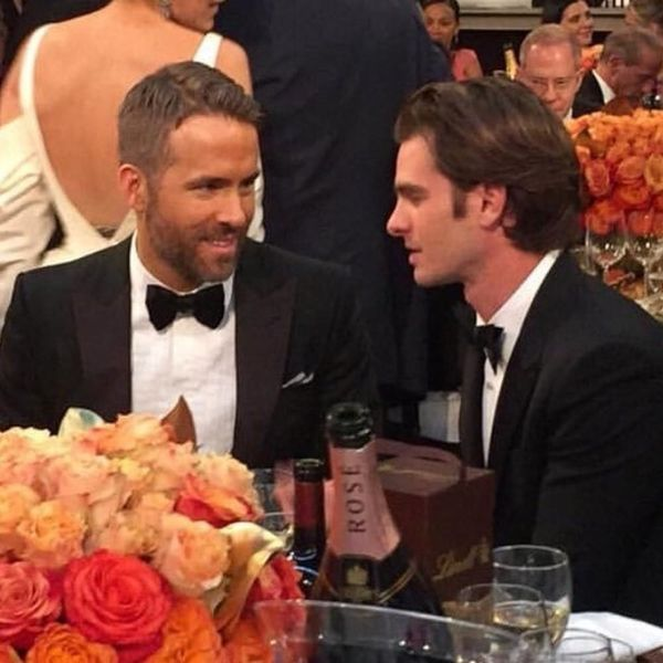 Ryan Reynolds and Andrew Garfield Kissed at the Golden Globes and You Probably Missed It