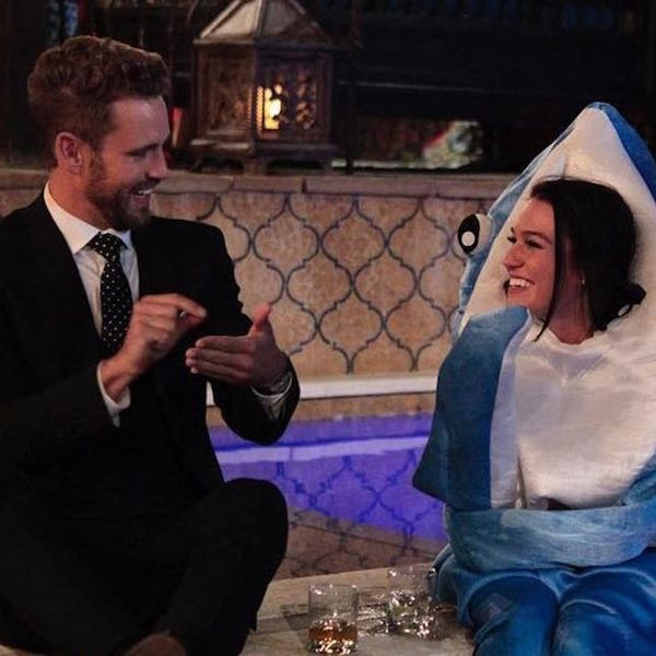 Morning Buzz! One of the Bachelor Contestants Dressed Up As a Shark and People Can't Even + More