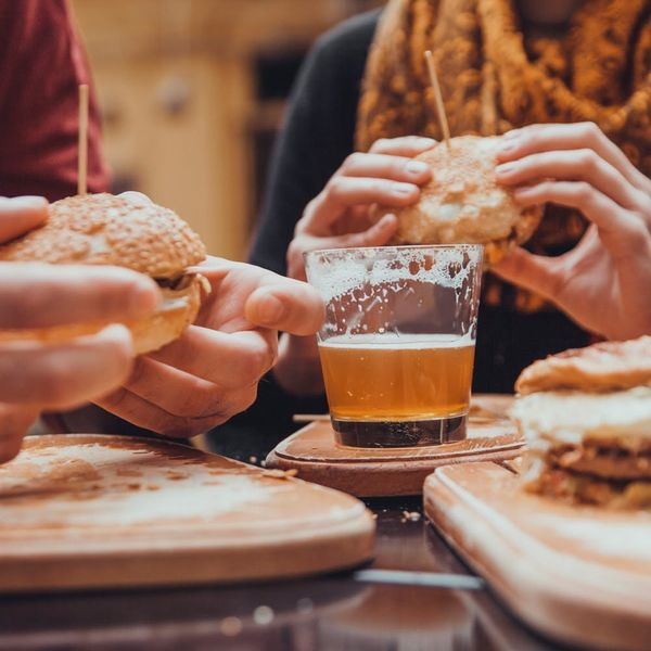 The 5 Worst First Date Foods (and What to Eat Instead)
