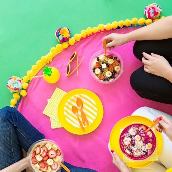 What to Make This Weekend: Mini Zen Garden, Pom Pom Picnic Blanket + More