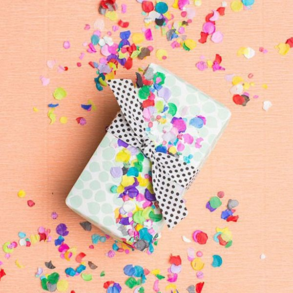 17 Ways to DIY Your Gift Wrapping Toppers