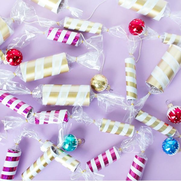 How to Make Holiday Christmas Candy Garland