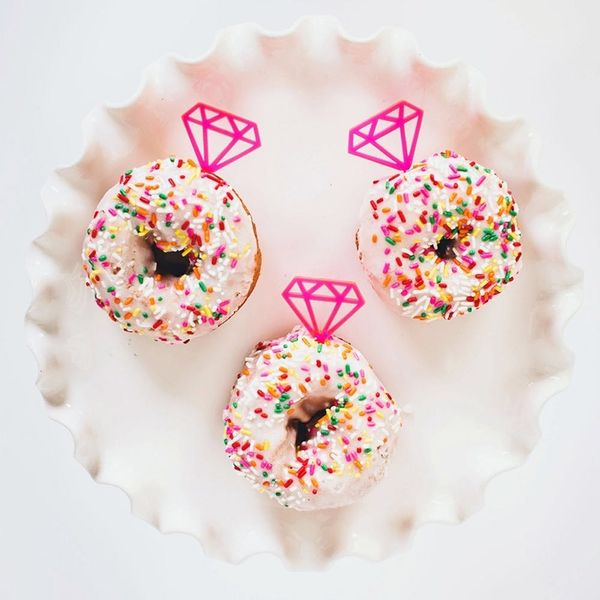 15 Gift Ideas for People Who Have a Sweet Tooth for Donuts