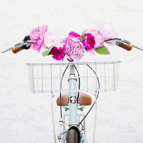 What to Make This Weekend: A Lilly Pulitzer Scarf, Floral Bike Handlebars + More