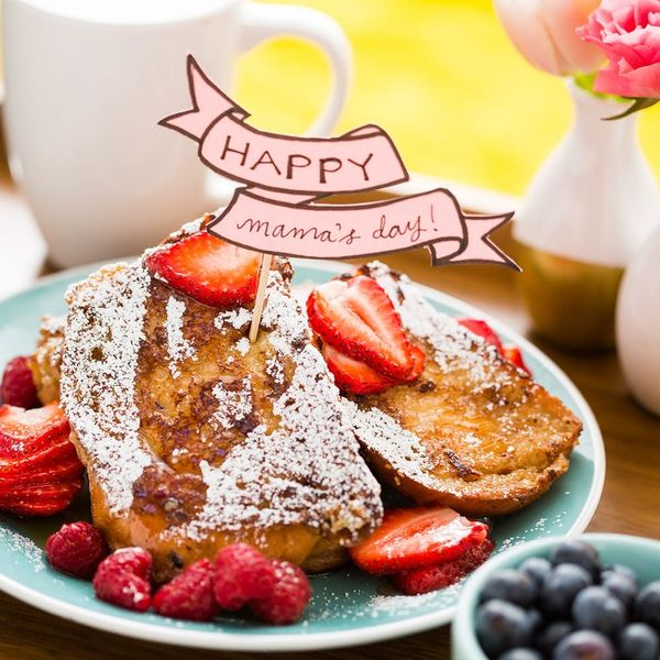 6 Things You Need for the Perfect Mother's Day Breakfast in Bed
