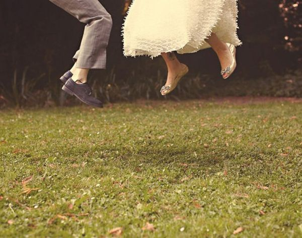 20 Budget-Friendly Tips to Cut Wedding Costs