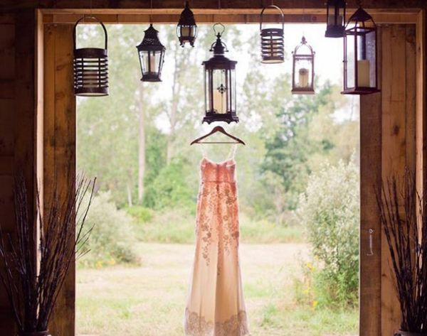 12 Wedding Dress Shots to Capture On Your Big Day