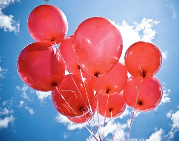 """Must Watch: """"99 Red Balloons"""" Played With Red Balloons"""