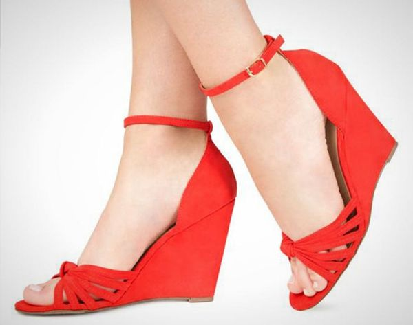 25 Go-To Wedges for Summer Party Season