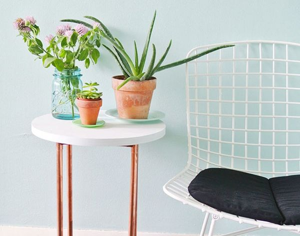 This DIY Copper Pipe Side Table is Perfect for Small Spaces