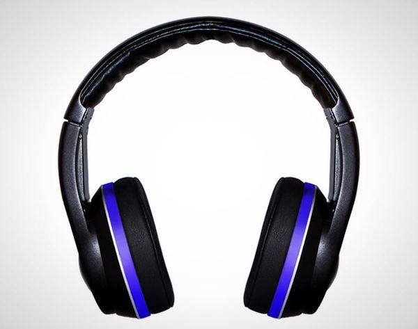 No Apps Required: These Cordless Headphones Stream Music Wirelessly