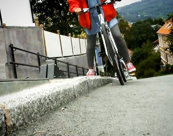 We Need This NOW: This Bike Elevator Helps You Up Hills