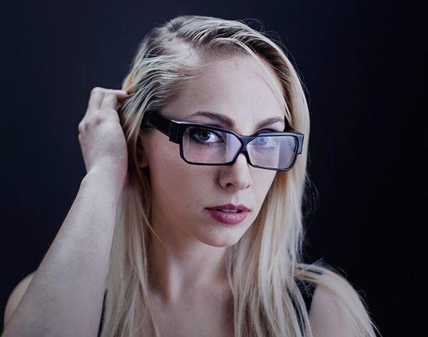 Do These Glasses Make Me Look (Less) Like a Glasshole?
