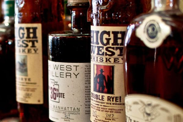 Whiskey 101: A Primer for Beginners & Experts Alike
