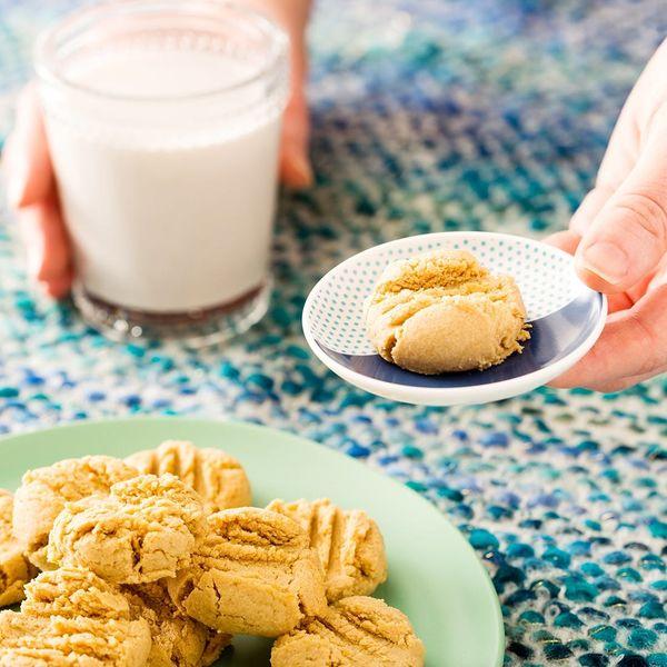 3-Ingredient Vegan, Gluten-Free Peanut Butter Cookies Recipe So Everyone Wins!