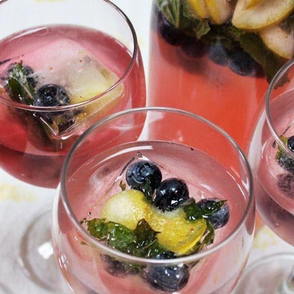 Summer Cocktail Alert! Blueberry Lemon Ginger Fizz Recipe
