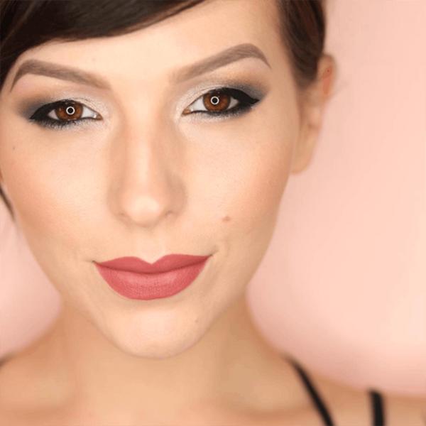 This Instagram Eyeshadow Trend Is Glamorous AF