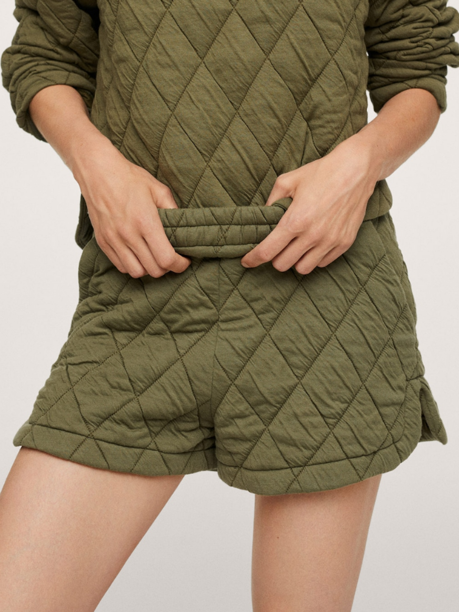 Mango Quilted Fall Short
